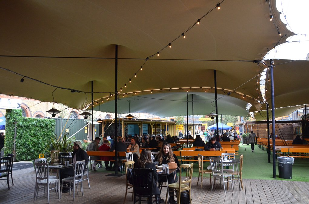 Stretch tents for pubs